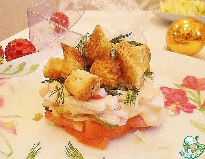 Рецепт: Хрустящий салат с помидорами и крабовыми палочками