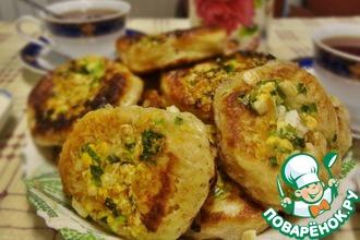 Рецепт: Оладьи с зелёным луком и яйцом