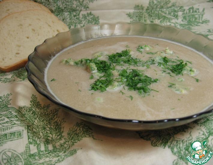 Рецепт: Нежный суп-пюре из фасоли с зелеными клецками