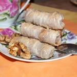 Печенье из рисовой бумаги с орехами