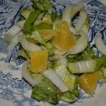 Салат листовой с салатным цикорием и апельсинами
