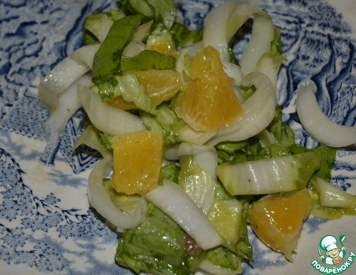 Рецепт: Салат листовой с салатным цикорием и апельсинами