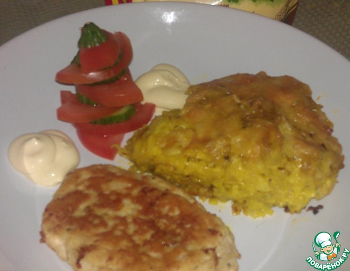 Рецепт: Запеченный картофель Романофф и куриные котлетки