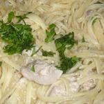 Курица со спагетти в сметанном соусе