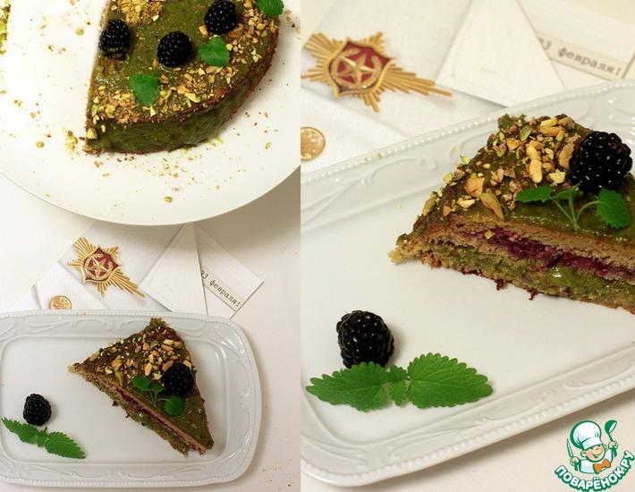 Рецепт: Гречневый торт с ежевикой и фисташковым кремом