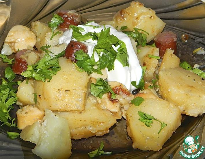 Рецепт: Тушеный картофель с колбасками
