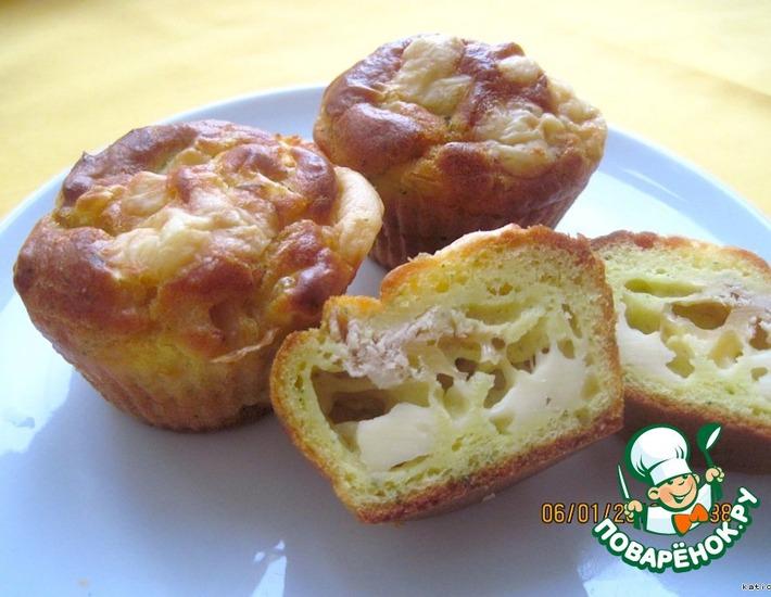 Рецепт: Закусочные маффины с кукурузой и тунцом