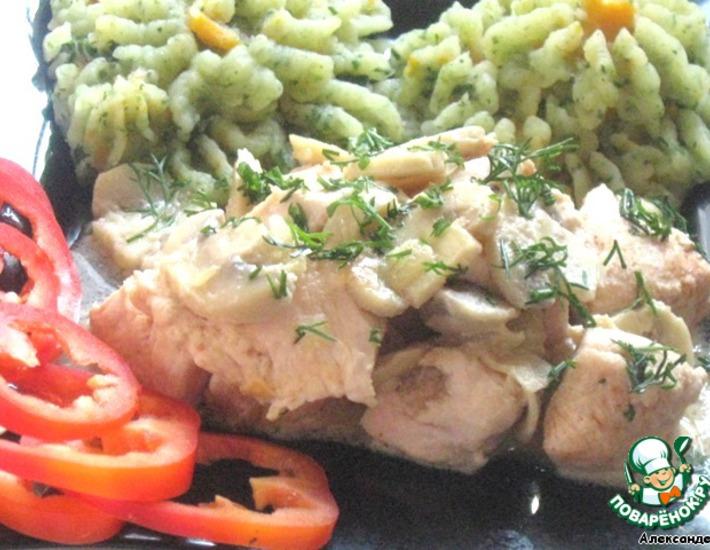 Рецепт: Куриная грудка в сметанно-яичном соусе