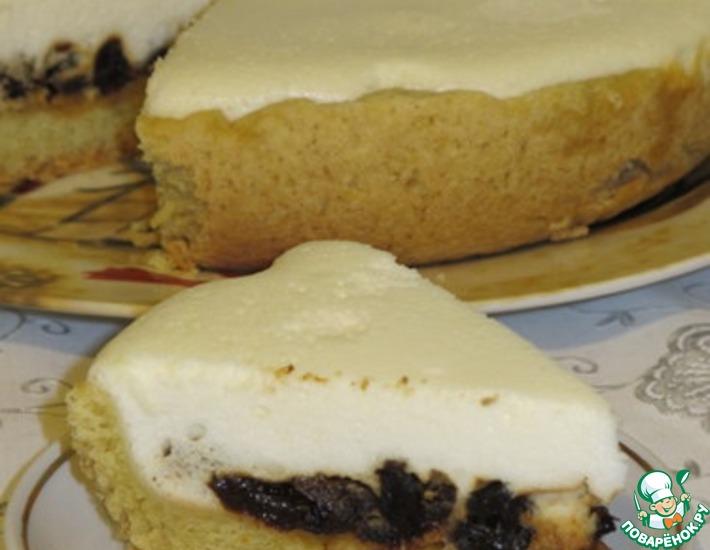 Рецепт: Пирог с черносливом в мультиварке