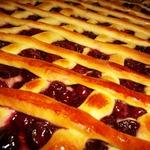 Вишневый пирог-плетенка