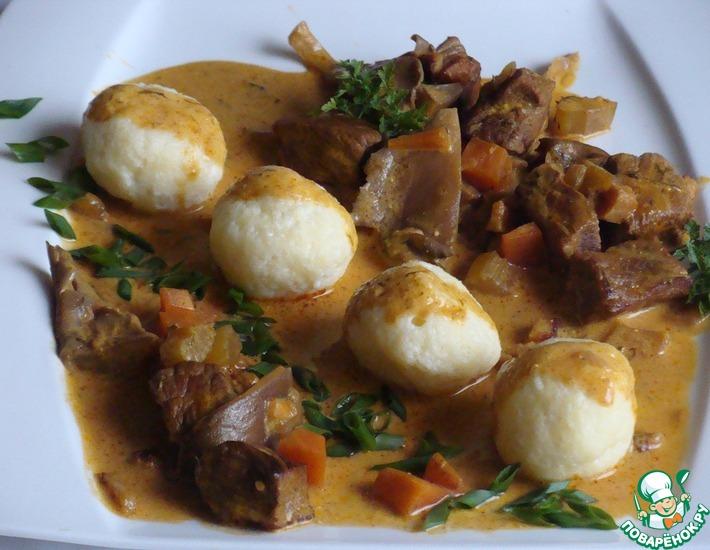 Рецепт: Венгерская токань с творожными клецками
