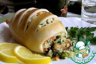 Рецепт: Кальмары, фаршированные мидиями, овощами и кус-кусом