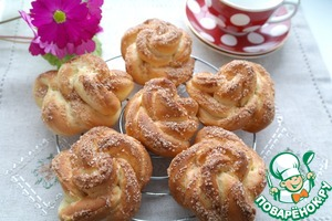 Сметанная булочка с пшёнными хлопьями и корицей – кулинарный рецепт