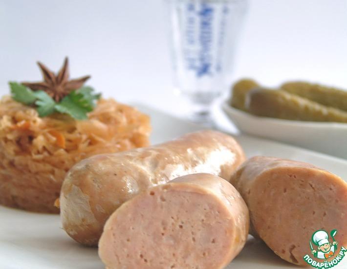 Рецепт: Домашние свиные колбаски с тушеной капустой