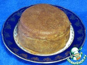 Накрыть форму фольгой и запекать в духовке в течениe 20 минут при температуре 180 градусов. Готовое блюдо перевернуть аккуратно на тарелку.