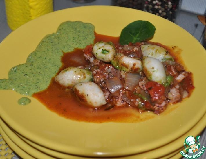 Рецепт: Фаршированные кальмарчики с соусом из шпината