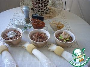 Buckwheat porridge with three gravy