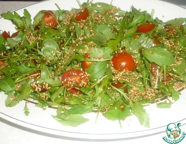 Рецепт: Салат с семгой и рукколой