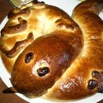 Фигурный пирог Змея с разными начинками