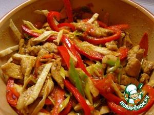 Готовые овощи соединить с мясом.