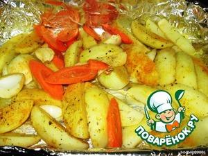 Картофель, и остальные овощи, положить в противень, присыпать специями, и полить оливковым маслом, перемешать.