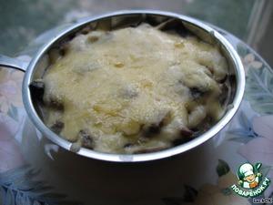 Жульены можно кушать теплыми или холодными - кому как нравится. Подавать в качестве закуски.