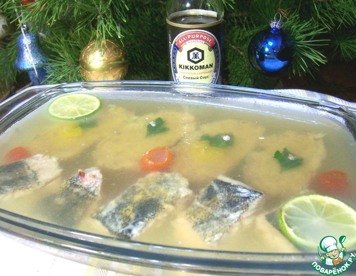 Рецепт: Заливное из фаршированной щуки и судака