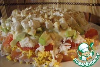 Рецепт: Слоеный салат с красной рыбой