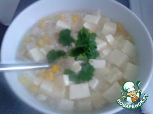 В конце в отдельной посуде взбить 1 яйцо и медленно влить его в кипящий суп и хорошенько перемешать. Дать повариться еще минут 5 и суп готов. Приятного аппетита!