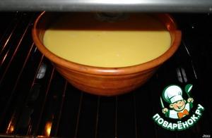 Поставить в разогретую духовку. Выпекать при температуре 180-200*С в течение 30-35 минут.