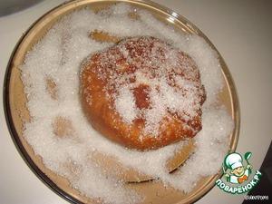Taken from frying donuts immediately coat in the sugar.