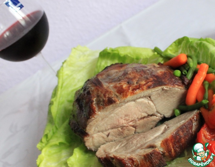 Рецепт: Мясо в винном маринаде, запеченное в духовке