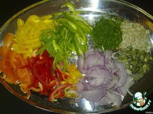 Подготовить овощи: порезать на тонкие ломтики лук и перцы сладкие, перец острый, укроп тоже мелконарезанный.