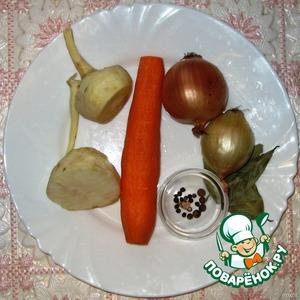 Через 30 минут добавить коренья, специи, посолить, и готовить еще минут 40-60.