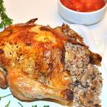 Курица в рукаве, фаршированная гречкой и грибами