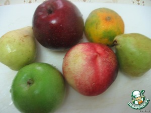 You can use any fruit. They should finely chop.  I had pears, apples, tangerine and nectarine.