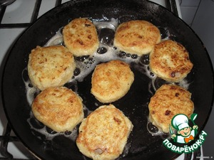 Fry on both sides until Golden brown (3-5 min. each side).
