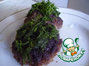 подаем, посыпав рубленой зеленью с овощами, рисом или картофельным пюре