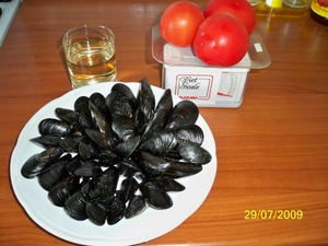 To clean mussels, soak them in cold water for 15 minutes.