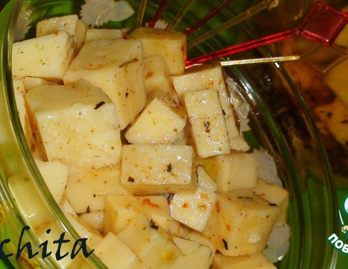 Рецепт: Сыр в пряном медовом маринаде