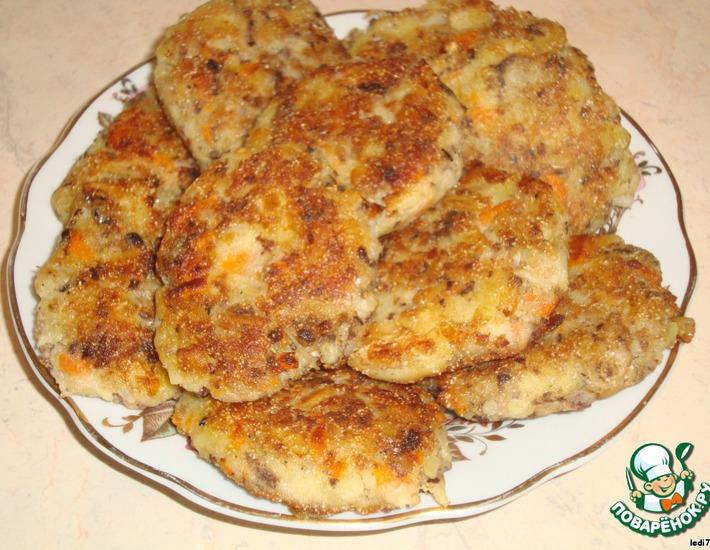 Рецепт: Котлеты из рыбных консервов и картофеля