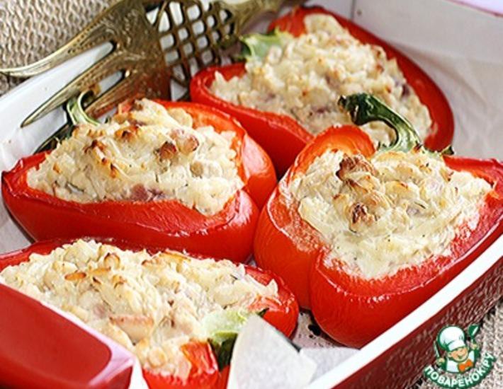 Рецепт: Перец с рисом, куриным филе и творожно-сливочным сыром