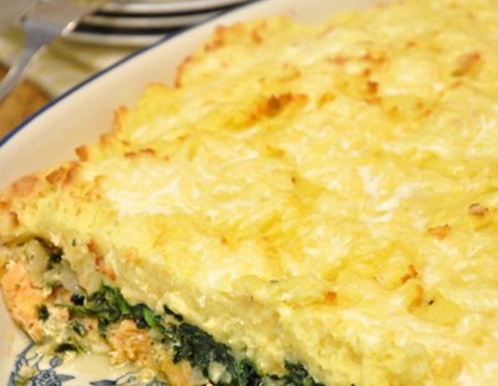 Рецепт: Картофельная запеканка с семгой и шпинатом