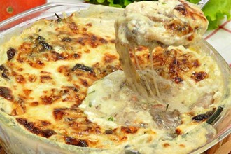Рецепт: Грибная сливочно-сырная запеканка Кассероль