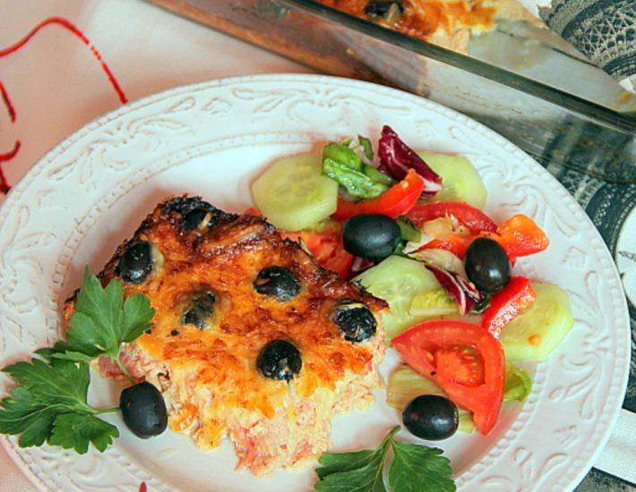 Рецепт: Клафути из тунца и помидоров с маслинами