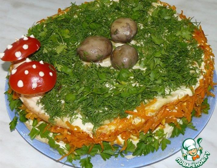 Рецепт: Закусочный торт Грибная полянка
