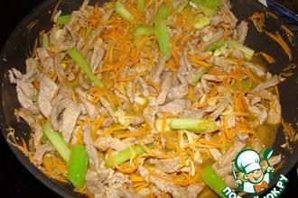 Рецепт: Мясо говядины с сельдереем по-китайски