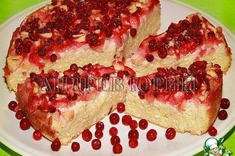 Рецепт: Творожная запеканка с яблоками и брусникой