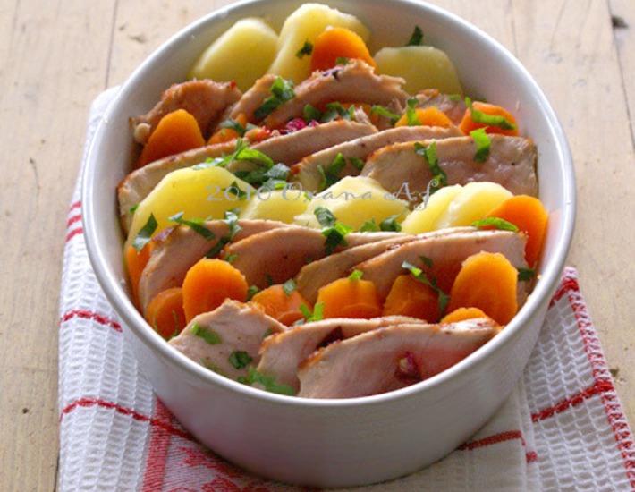 Рецепт: Морковно-картофельный гратин со свининой