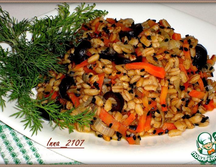 Рецепт: Перловый гарнир с маслинами